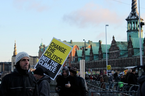 Protestors outside the Copenhagen climate talks, December 2009 (Image: Bastien Vaucher http://bit.ly/1cVuhck)